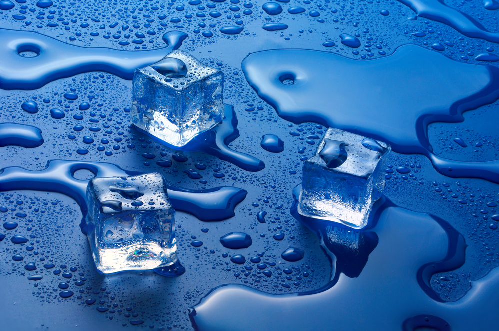 Picture of ice cubes to illustrate how hot water freezes faster than cold water.